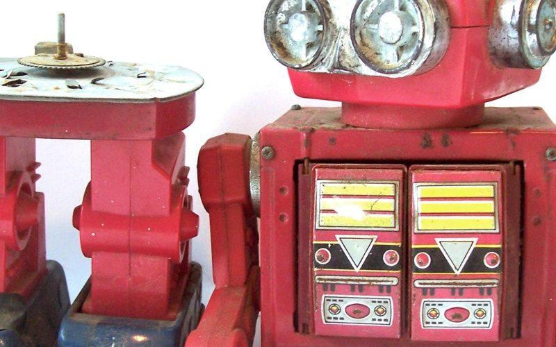 Sito web multilingue: robot rosso