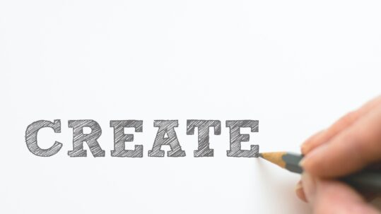 Disegno a matita della scritta Create